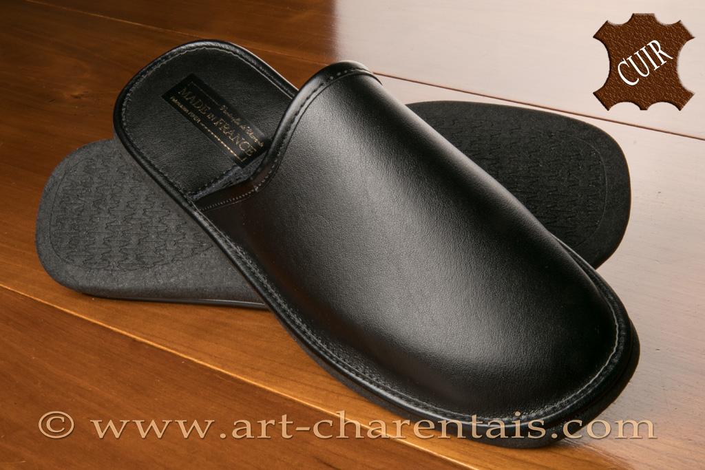pantoufles pifer pantoufles pifer pantoufles pour hommes dessus cuir noir. Black Bedroom Furniture Sets. Home Design Ideas
